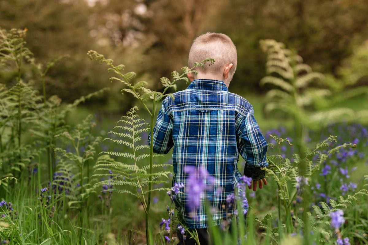Top tips for taking photos of your kids outdoors